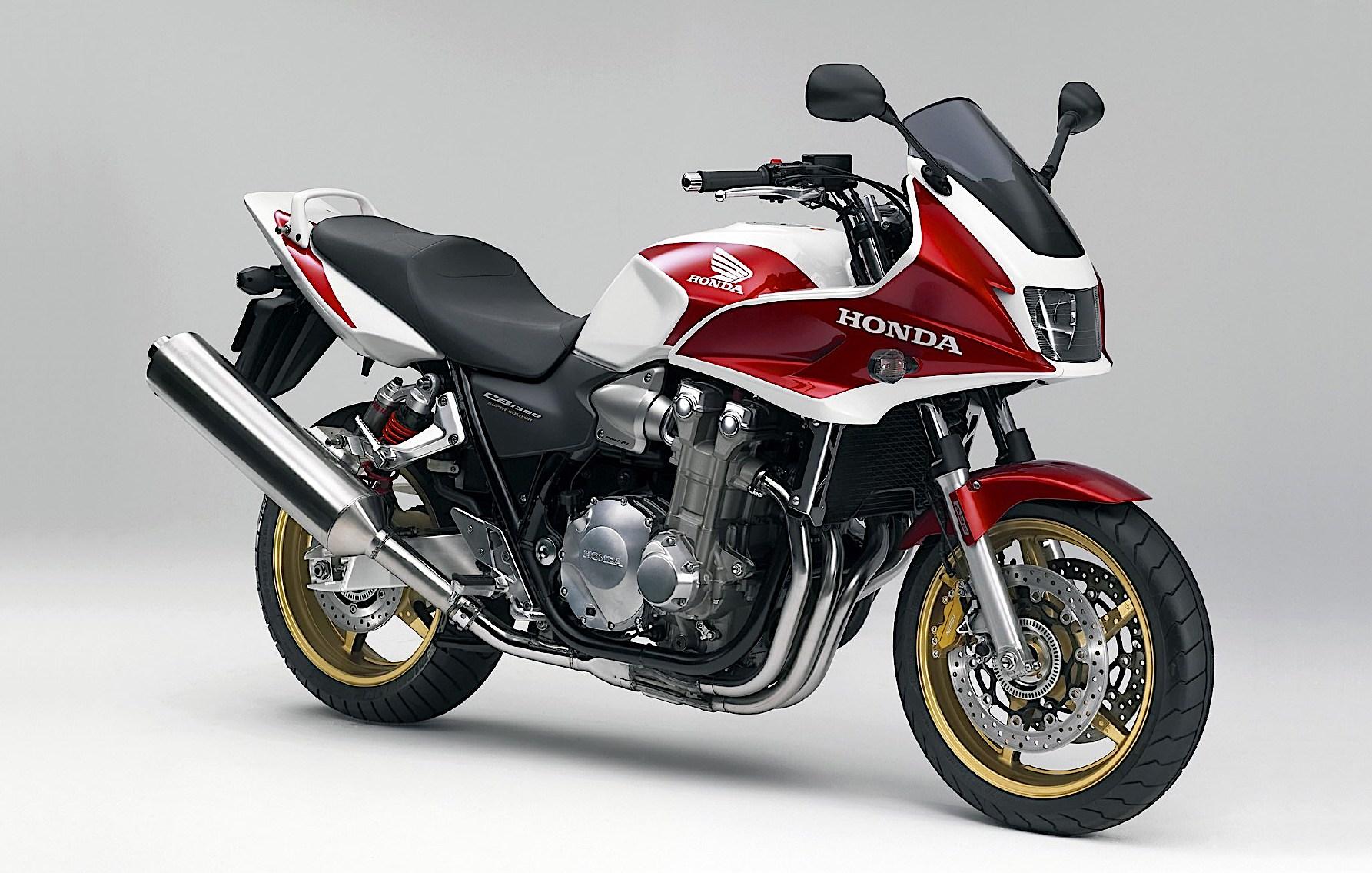 2006_Honda_CB1300S_1.jpg